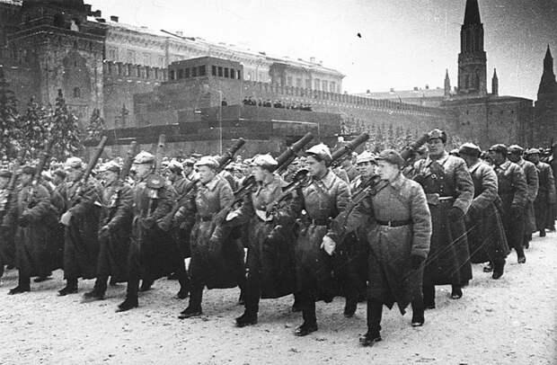 Парад на Красной площади 7 ноября 1941 года. Пулеметчики Велика Отечественная война, История Родины, СССР