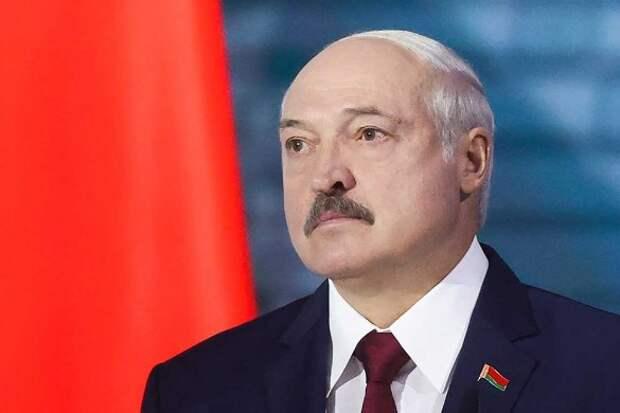 Лукашенко обвинили в разжигании гражданской войны в Белоруссии: Вливает бешеные деньги