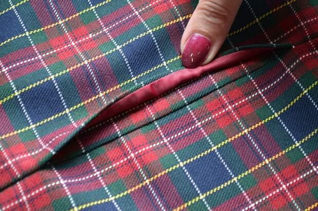 Обработка внутреннего бокового кармана платья, шаг 17