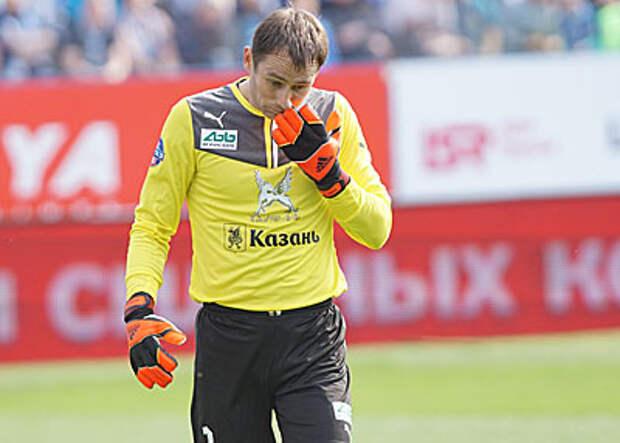 Алексей Сафонов: Рыжиков - в «Тамбове», но не хочет позориться, пропуская по 7-8 мячей за матч
