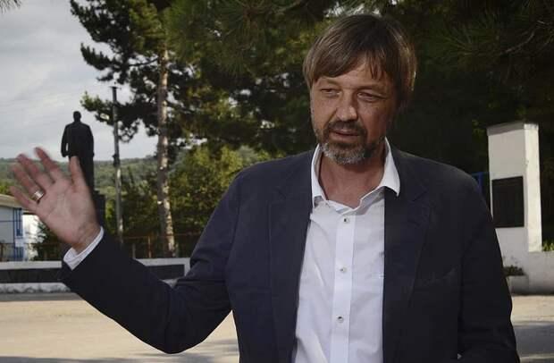 Николаев предложил построить медкластер в забытом промпарке Севастополя