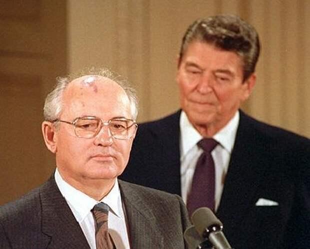 Почему приход к власти Горбачёва так напугал ЦРУ