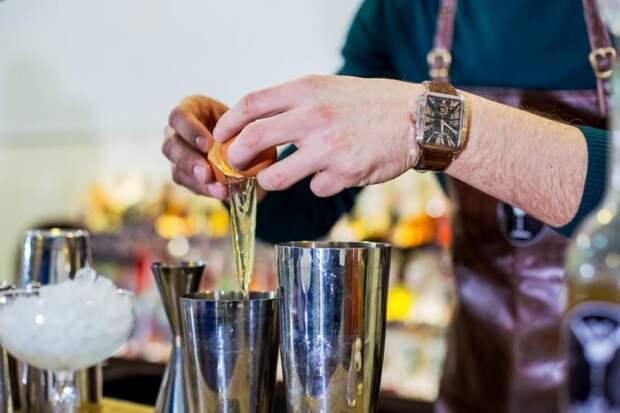 Пить меньше надо: в России рассказали как дожить до новой пенсии