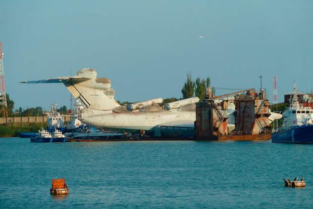 Как вертолет Ми-6 уже 40 лет лежит в болоте (ФОТО + ВИДЕО)