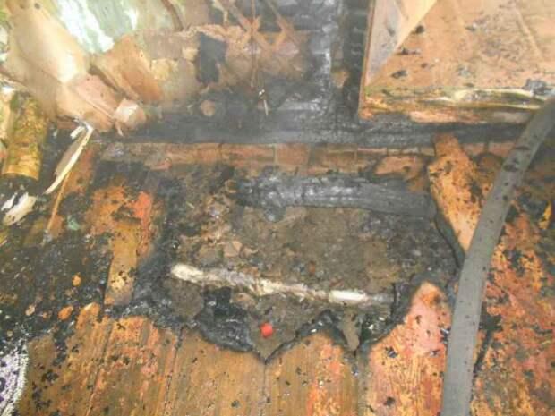 В деревне Калиновка горел частный жилой дом.