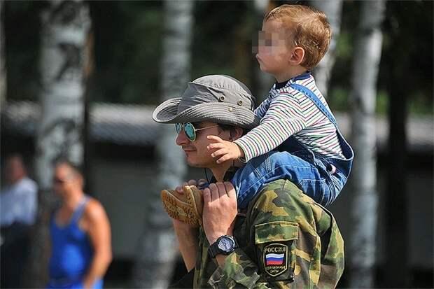 Матерей и отцов предложили уравнять в правах на декретный отпуск