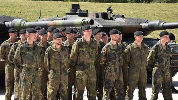Daily Express: пьяные солдаты НАТО устроили дебош в отеле в Литве