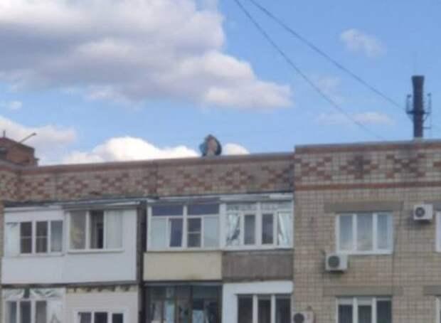 Народ, угомонитесь: жительницу Каменска-Шахтинского напугали подростки на крыше девятиэтажки