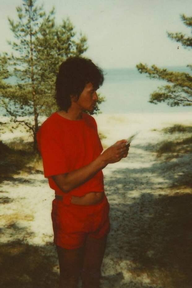 Последнее лето Виктора Цоя: редкие кадры из Юрмалы за 2 дня до смерти.