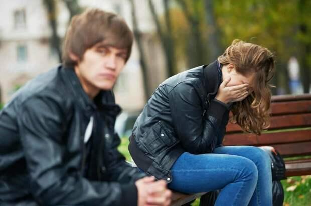 Разводятся даже те пары, которые хотели быть вместе всю жизнь.