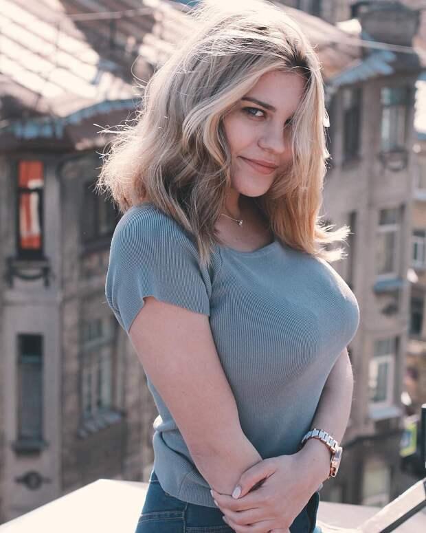 Тысяча чертей! 20-летняя внучка Михаила Боярского поразила своими формами