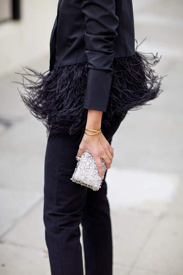 Бахрома и перья 2021: Как использовать этот модный тренд в своем гардеробе