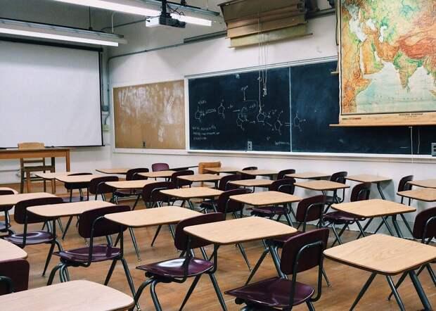 Глава Роспотребнадзора: переводить школы на «дистанционку» не имеет смысла