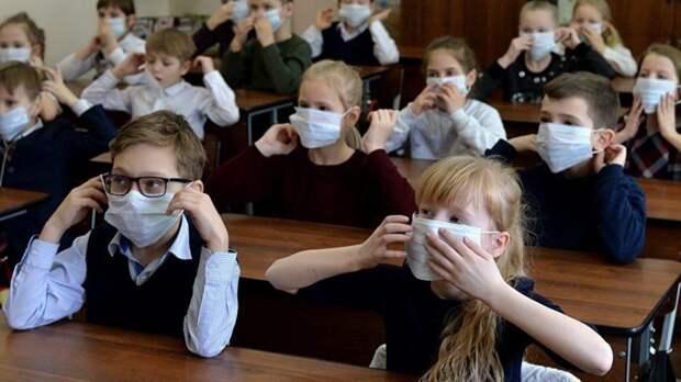 Потехина считает, что очное обучение не увеличивает риск заражения коронавирусом