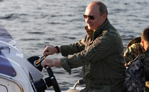 Россияне назвали настоящими мужчинами Путина, Ланового и Хабенского