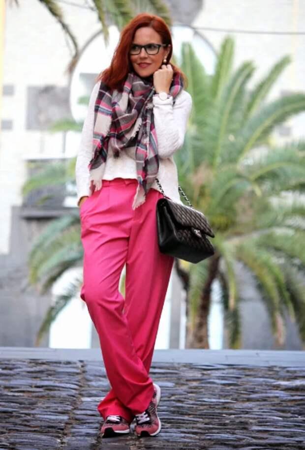 Возрастной стиль: маскируем одеждой плоские бедра