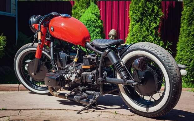 Стильный Боббер из советского мотоцикла Днепр (видео)