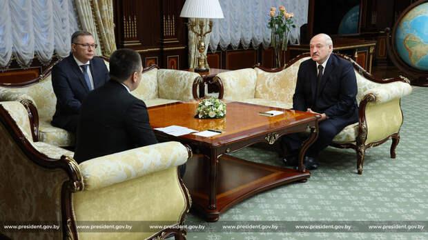 Лукашенко обвинил СМИ в попытке вбить клин между Минском и Москвой