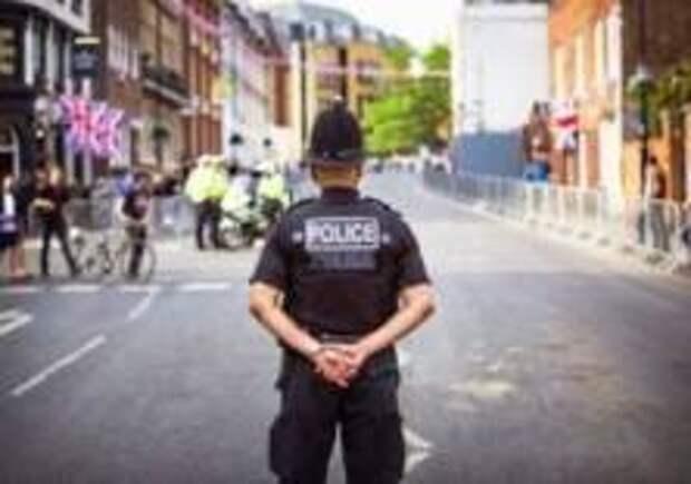 Три человека пострадали от яда в Лондоне