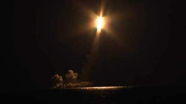 Российская подлодка «Владимир Мономах» впервые выстрелила четырьмя ракетами «Булава»