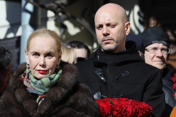 Алкоголь под брендом «Вдова Кобзона» появится в России