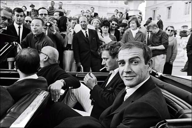 Шон Коннери прибывает к красной дорожке в мае 1965 года.