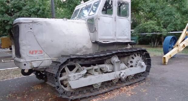 """Большой трактор """"100-ка"""". Каким он был в СССР и что с ним сейчас"""
