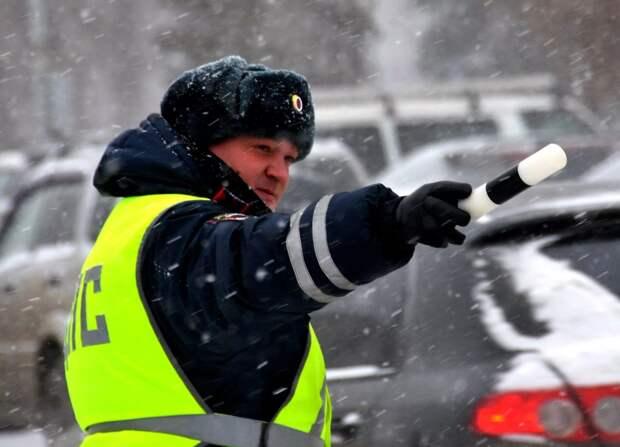 Хитрость бывалых водителей — глушить ли мотор, если вас остановил ДПС?