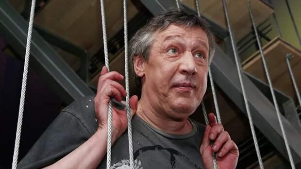 Ефремов выступил перед сокамерниками с отрывком из пьесы