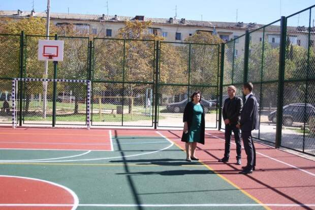В Севастополе появилась современная спортплощадка комбинированного типа