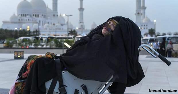 Женщина из ОАЭ проснулась после 27 лет комы