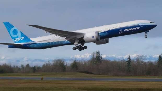 Boeing 777X совершил свой первый полёт