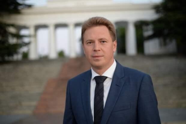 Губернатор Севастополя поздравил горожан с Днем знаний!