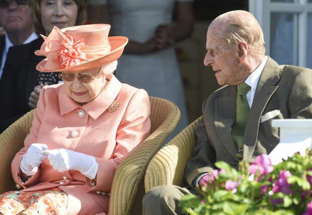 Моряк, который умел радоваться жизни. Как принц Филипп и дочка короля готовились к свадьбе