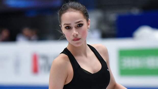 Загитова сообщила, что ее не звали на мероприятие к 50-летию «Самбо-70». Флаг на линейке поднимала Медведева
