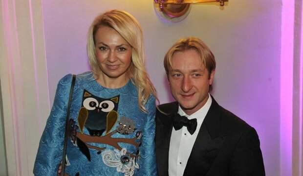 Рудковская оставила Плющенко публичное послание: Видно, что не хватает ему свободы