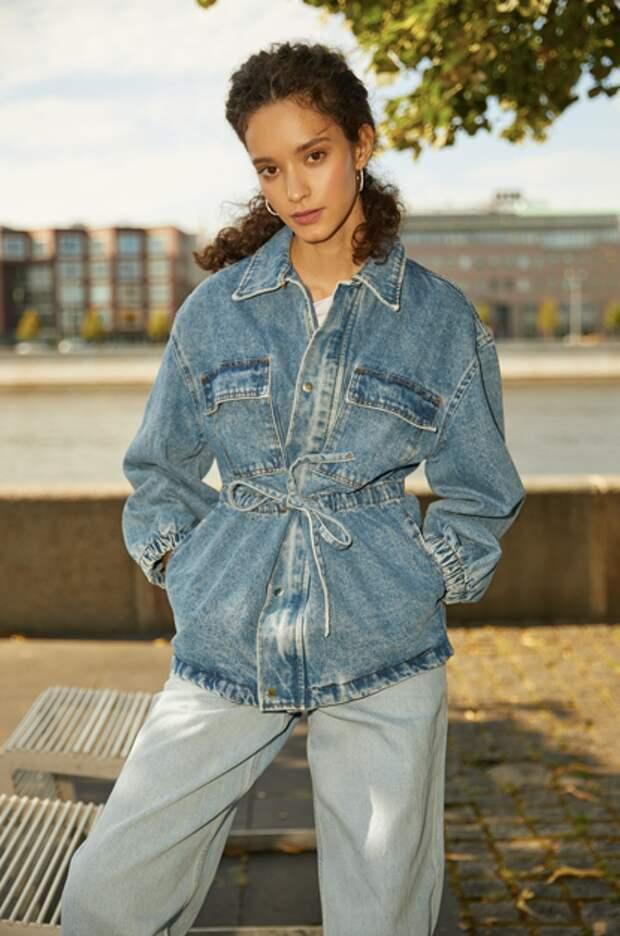 Джинсы палаццо — самая модная модель осени. Как их носить?