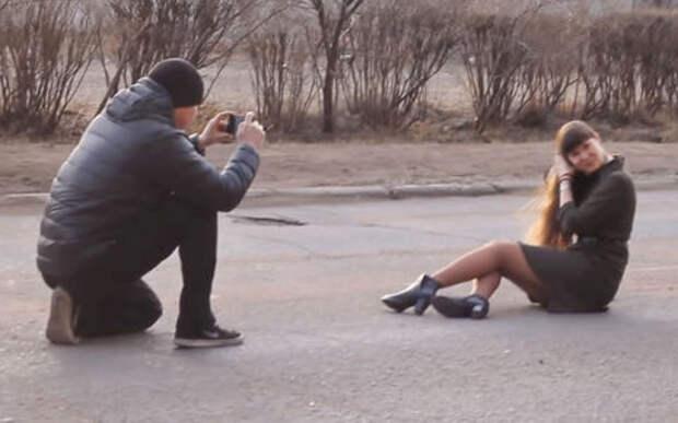 Девушка, футбол, варенье, яйца – смешной ролик победителя конкурса о плохих дорогах