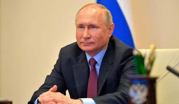 Путин отметил вклад медицинских студотрядов в борьбу с коронавирусом