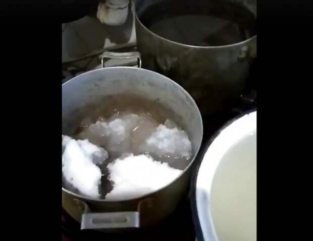 В Донском, где люди топят снег, чтобы получить воду, обсуждают бассейны