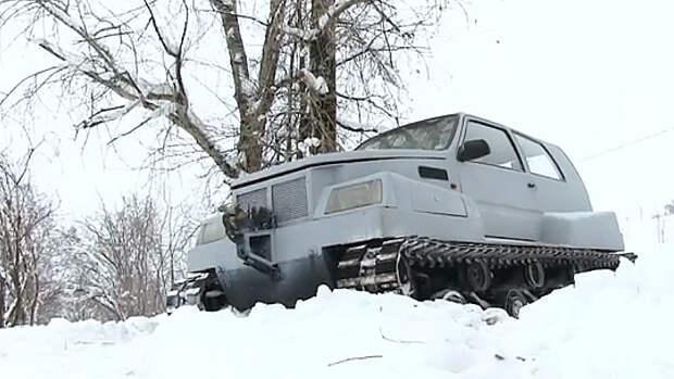 В Соликамске дороги чистит бульдозер из Оки