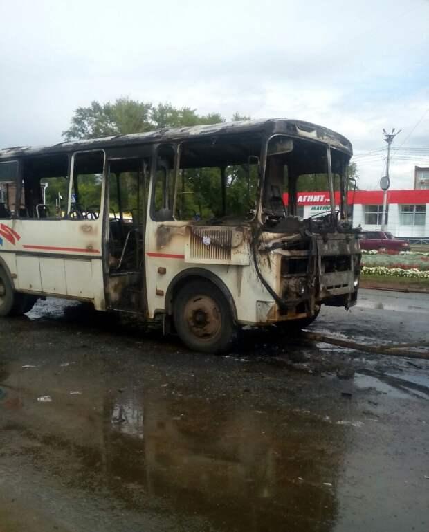 Неисправная электропроводка: названа предварительная причина возгорания автобуса в Сарапуле