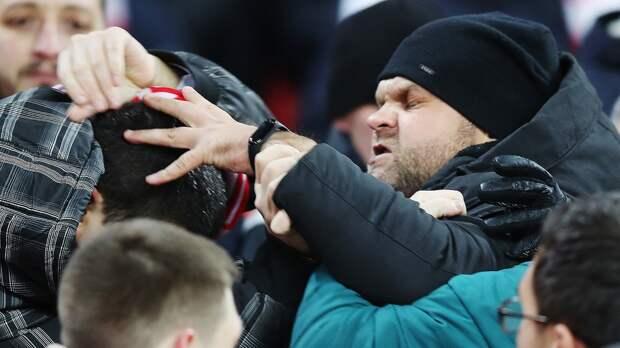 Врезультате драки сучастием фанатов «Челси» и«Арсенала» пострадал гражданин России