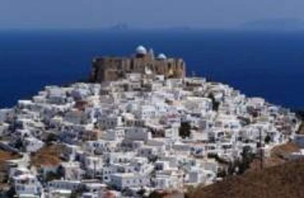 На греческом острове официально запретили курить
