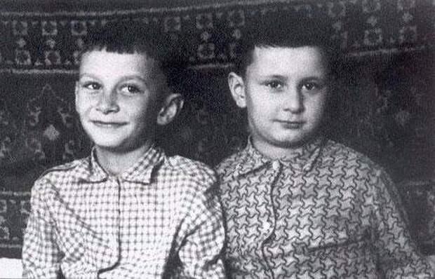 Братья Меладзе и Верники в детстве, маленькая Шейк и еще 11 редких фото звезд