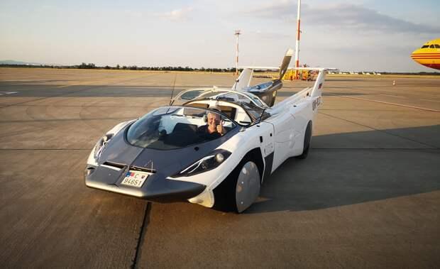 Возможно, это изображение (автомобиль, летательный аппарат и на открытом воздухе)