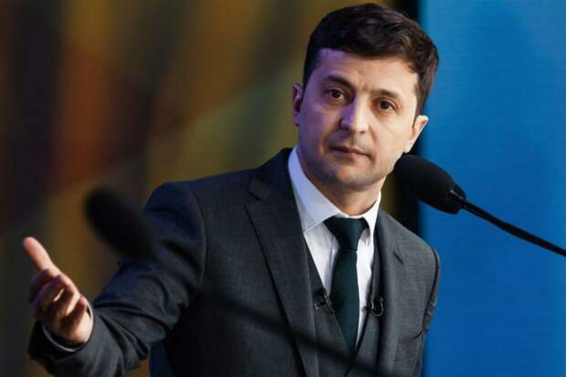 Зеленский о вакцинации: Украине неприятно стоять с протянутой рукой