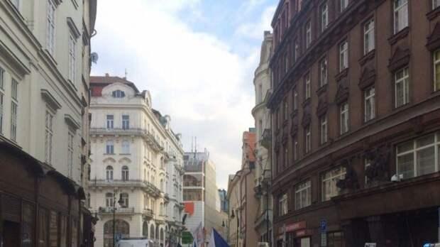 Прага намерена вернуть часть городского парка, занимаемого посольством РФ