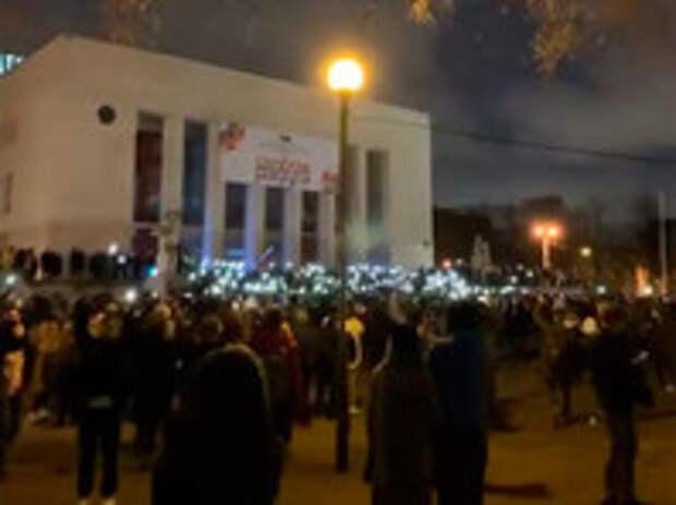 """Судя по всему, в акциях протеста, названными организаторами """"финальной битвой между добром и нейтралитетом"""", победил второй"""