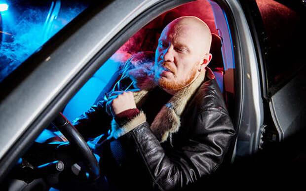 Дорогое удовольствие: курящих за рулем заставят расплачиваться за вредную привычку